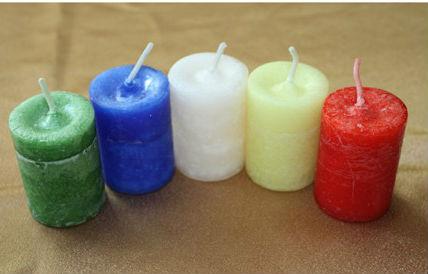 Разноцветные свечи фото